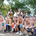 večerní nástup, přerod z bledých tváří na indiány dopadl skvěle :-)